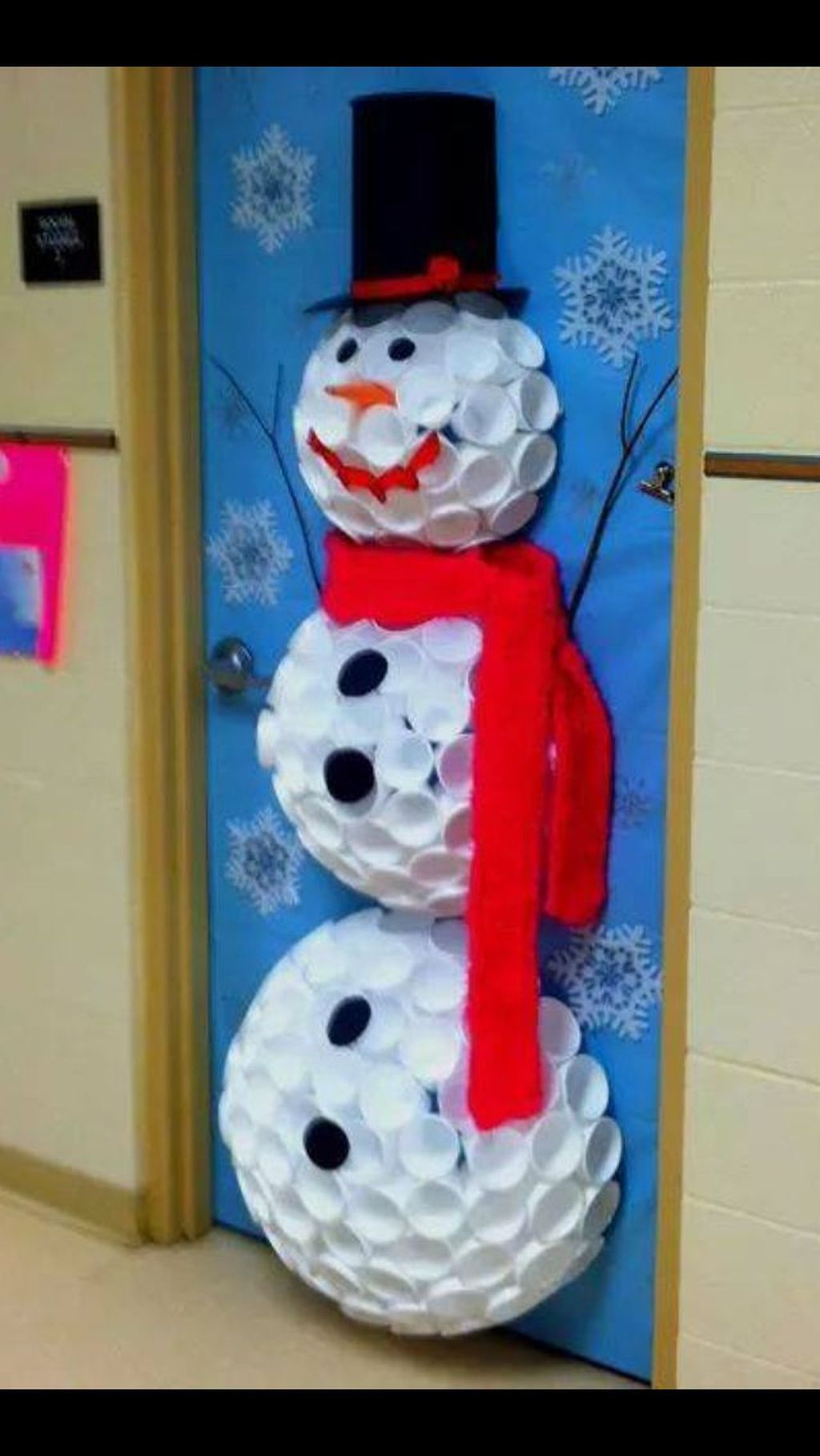 Creative Christmas Door Decoration Ideas To Inspire You 34