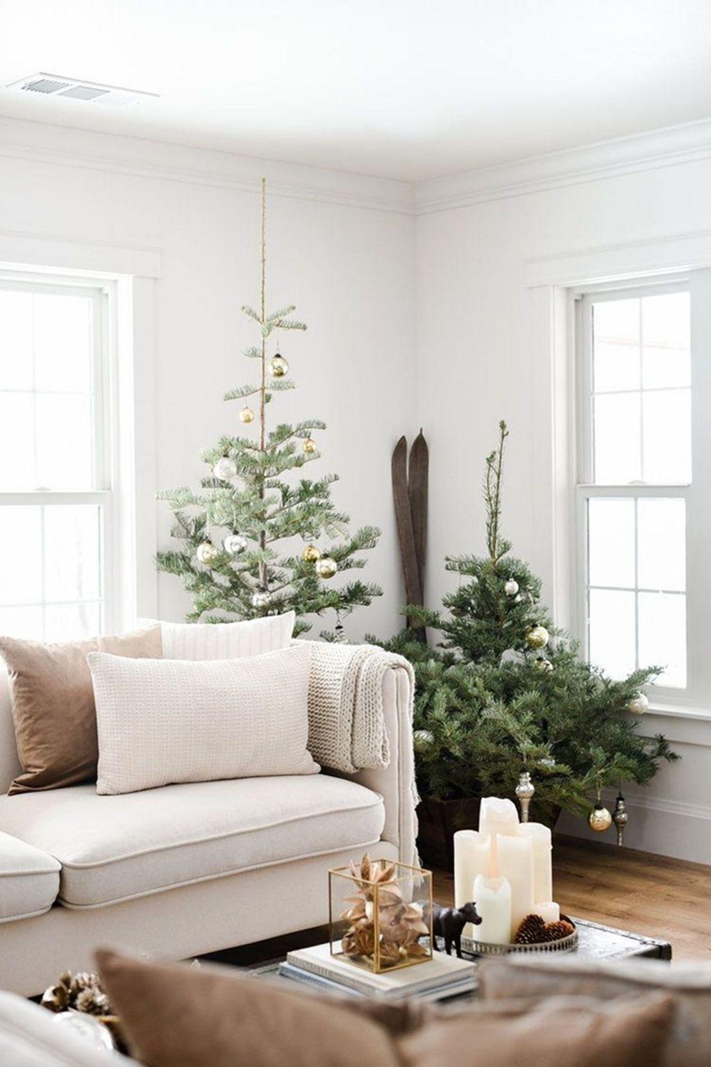Enchanting Living Room Decor Ideas That Trending This Winter 33
