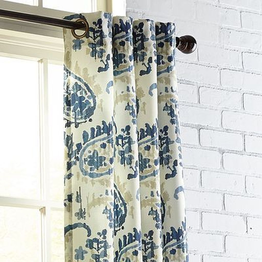 Inexpensive Living Room Curtain Design Ideas On A Budget 01