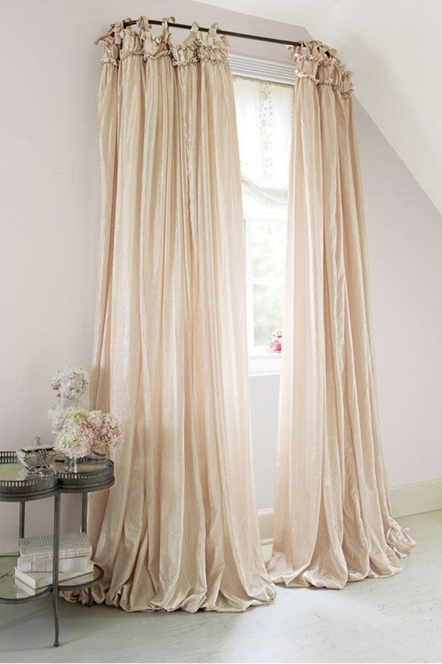 Inexpensive Living Room Curtain Design Ideas On A Budget 05