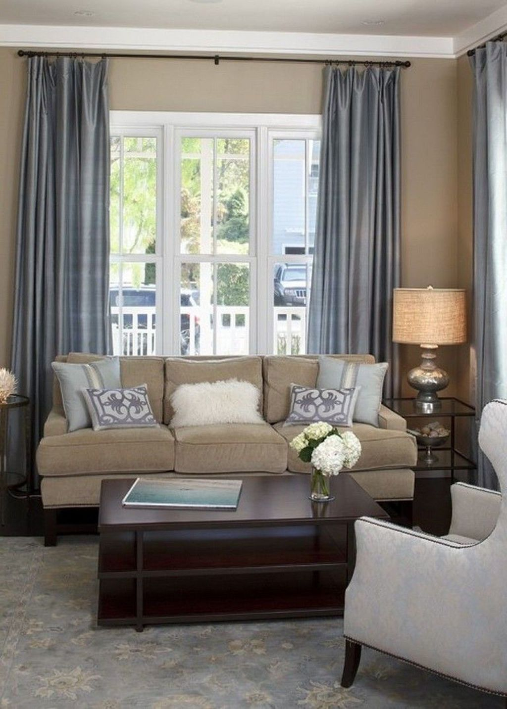 Inexpensive Living Room Curtain Design Ideas On A Budget 10
