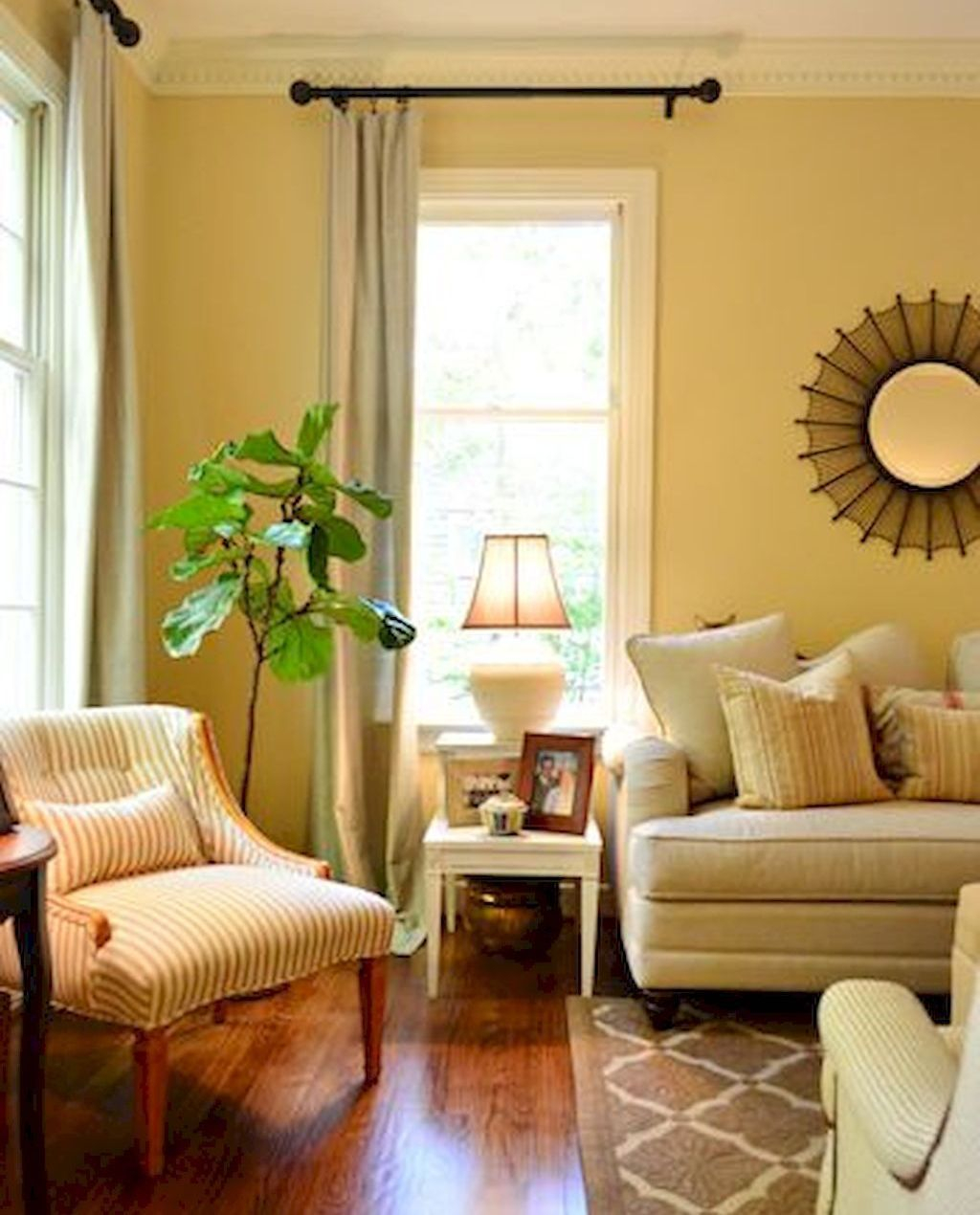 Inexpensive Living Room Curtain Design Ideas On A Budget 17