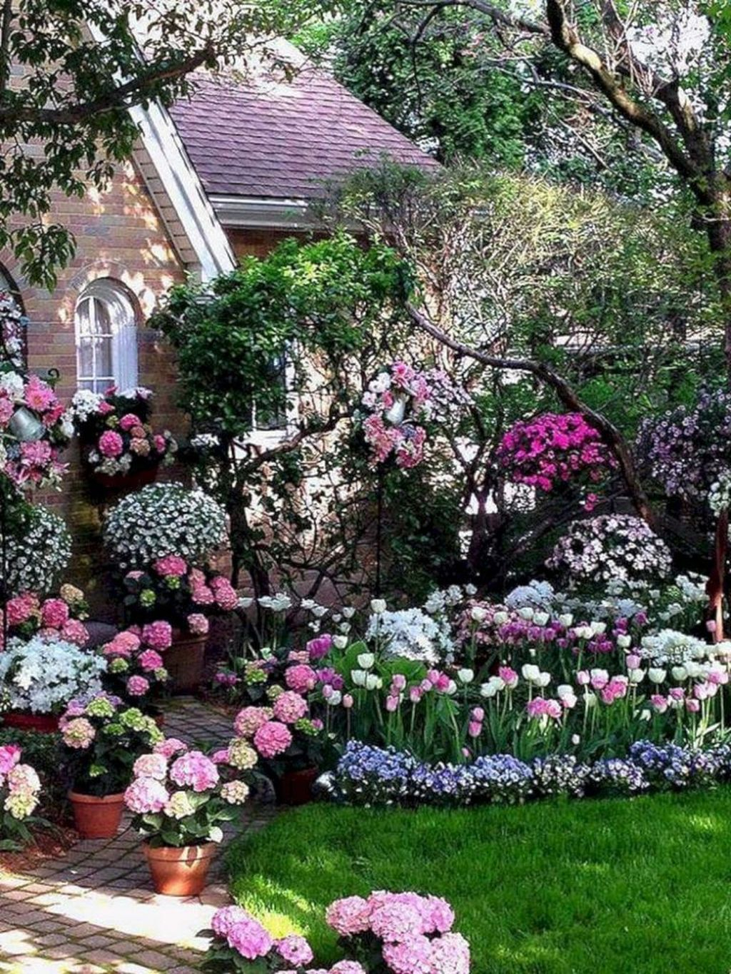 Inspiring Hydrangeas Landscaping Design Ideas To Copy Right Now 26