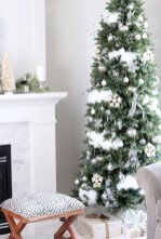 Pretty Space Decoration Ideas With Christmas Tree Lights 08
