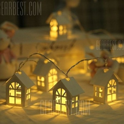 Pretty Space Decoration Ideas With Christmas Tree Lights 12