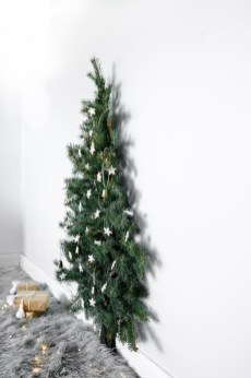 Pretty Space Decoration Ideas With Christmas Tree Lights 15