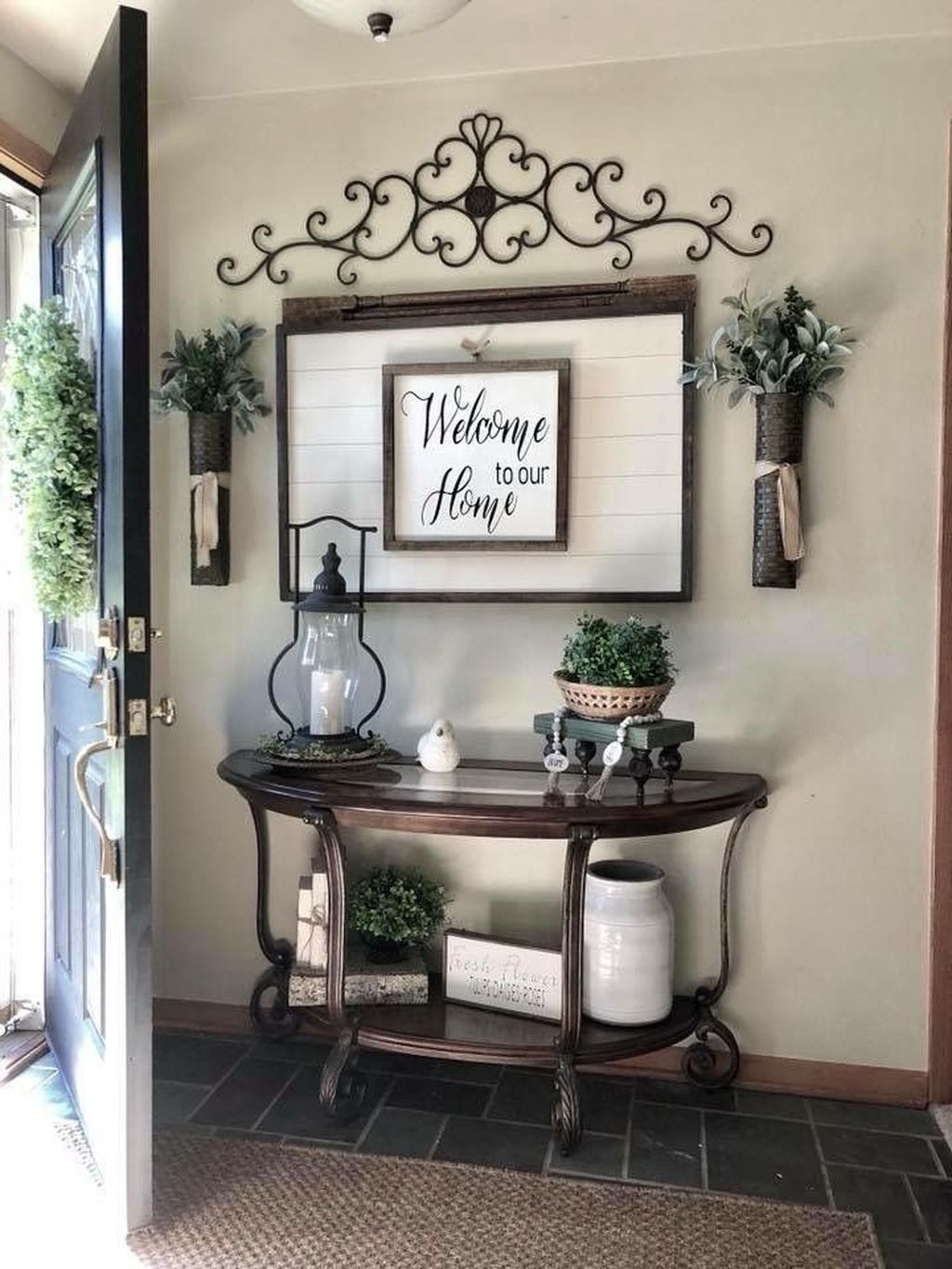 Splendid Entryway Home Décor Ideas That Make Your Place Look Cool 09