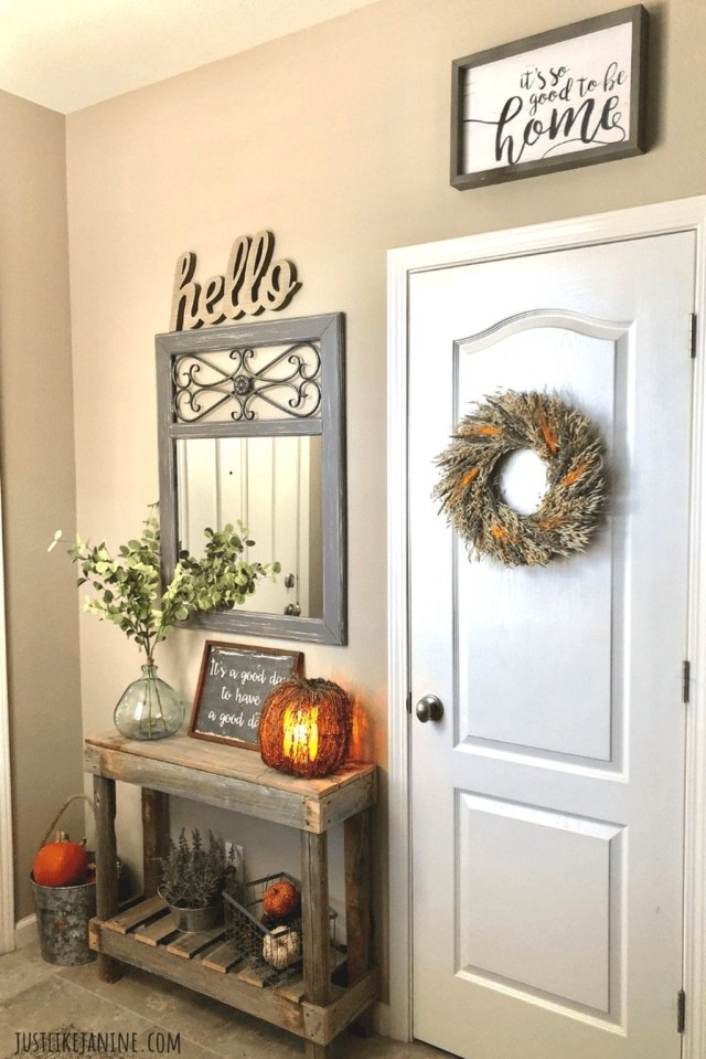 Splendid Entryway Home Décor Ideas That Make Your Place Look Cool 18