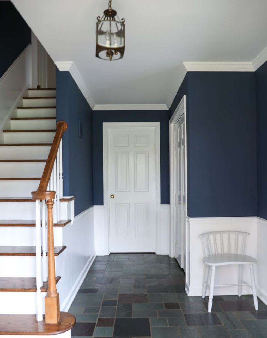 Splendid Entryway Home Décor Ideas That Make Your Place Look Cool 30