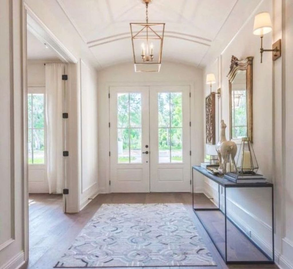 Splendid Entryway Home Décor Ideas That Make Your Place Look Cool 32