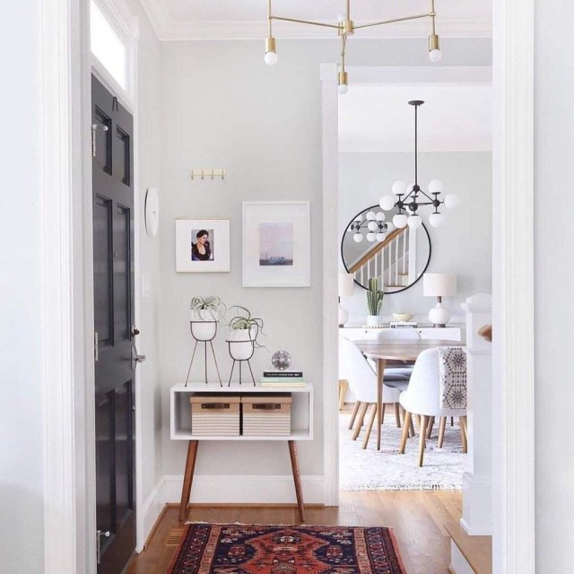 Splendid Entryway Home Décor Ideas That Make Your Place Look Cool 37