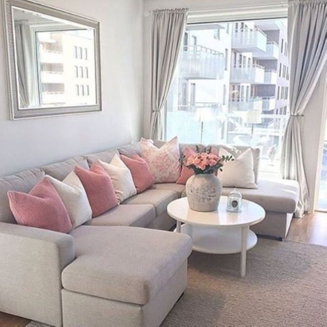 Stunning Apartment Living Room Decorating Ideas On A Budget 12