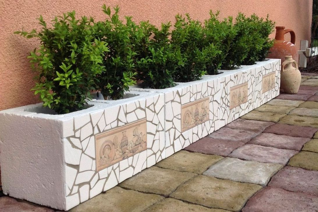 Stylish Garden Design Ideas With Cinder Block To Try 01