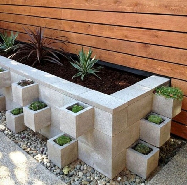 Stylish Garden Design Ideas With Cinder Block To Try 15