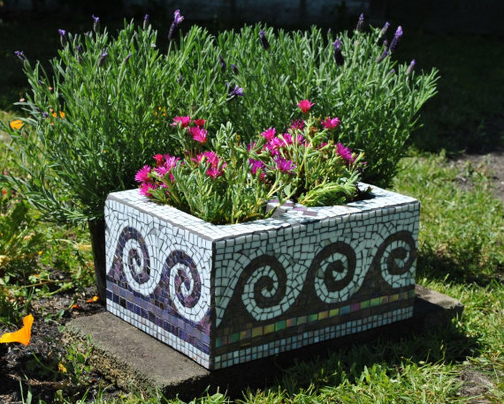Stylish Garden Design Ideas With Cinder Block To Try 34