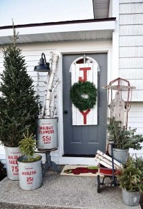 Unique Christmas Decoration Ideas For Front Porch 09