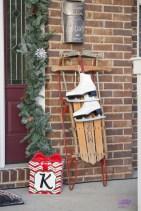 Unique Christmas Decoration Ideas For Front Porch 17