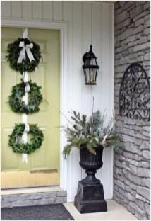 Unique Christmas Decoration Ideas For Front Porch 18
