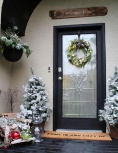 Unique Christmas Decoration Ideas For Front Porch 20