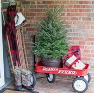 Unique Christmas Decoration Ideas For Front Porch 25