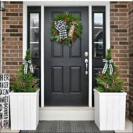 Unique Christmas Decoration Ideas For Front Porch 30