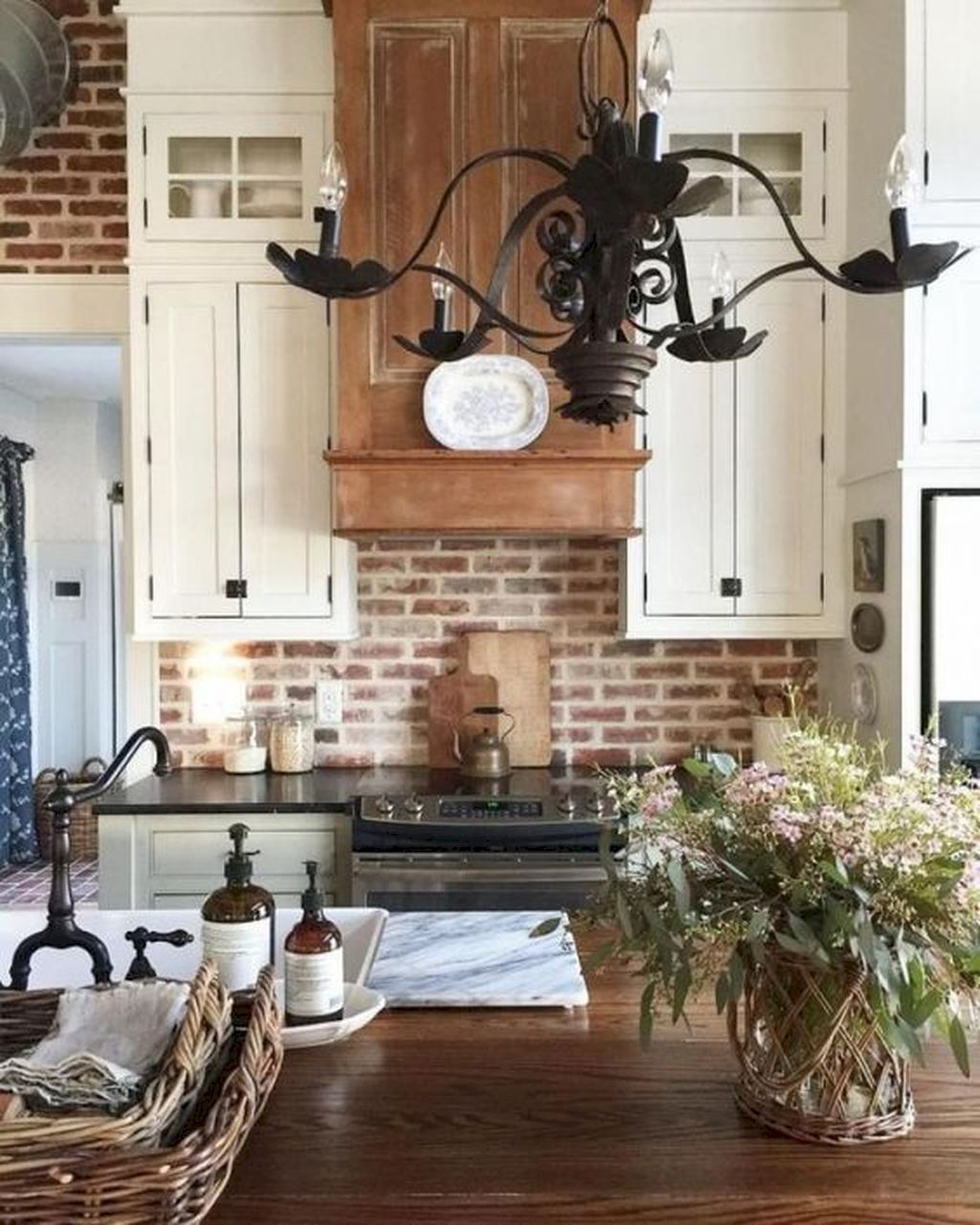 Adorable Kitchen Cabinet Ideas That Looks Neat To Try 09