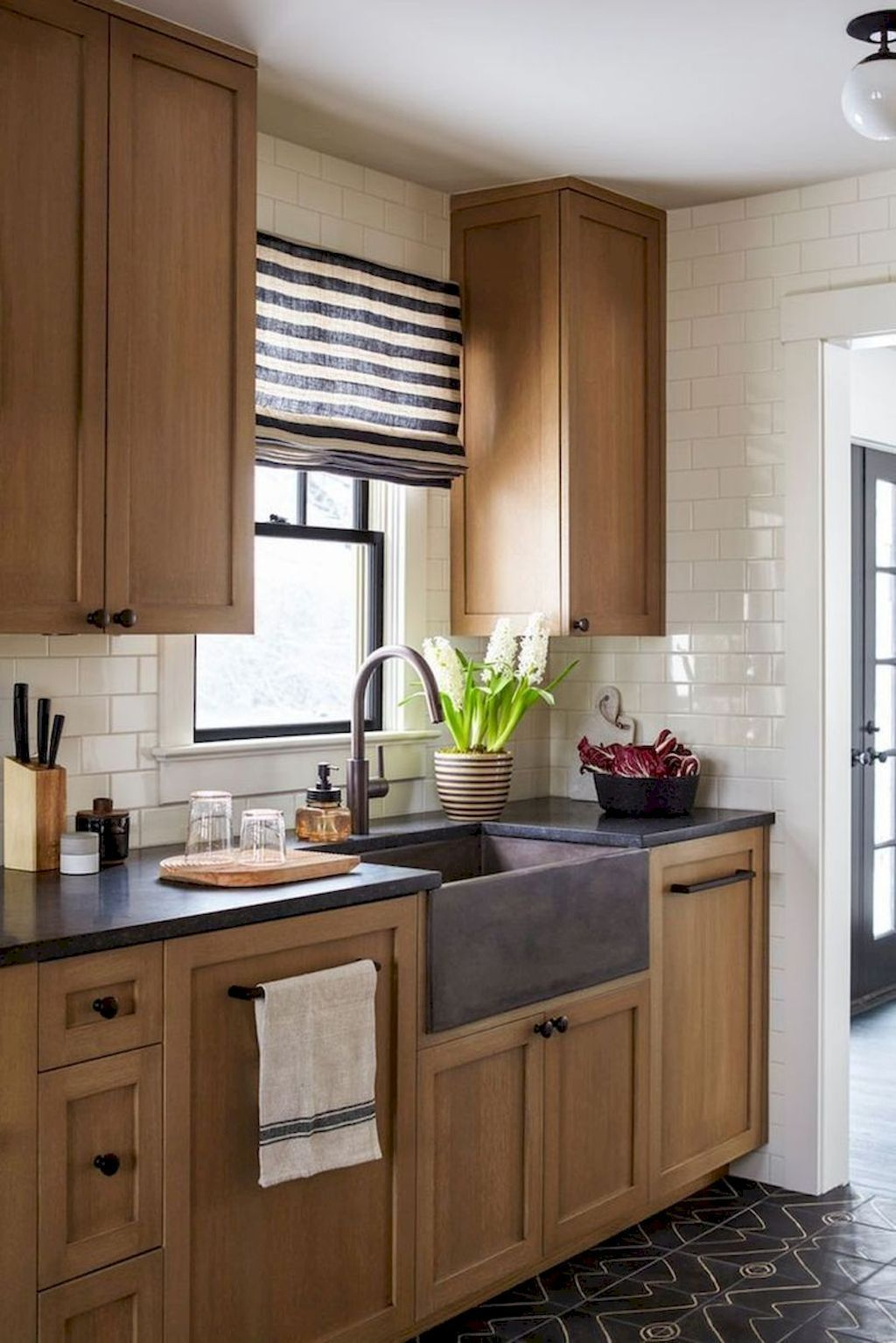 Adorable Kitchen Cabinet Ideas That Looks Neat To Try 15