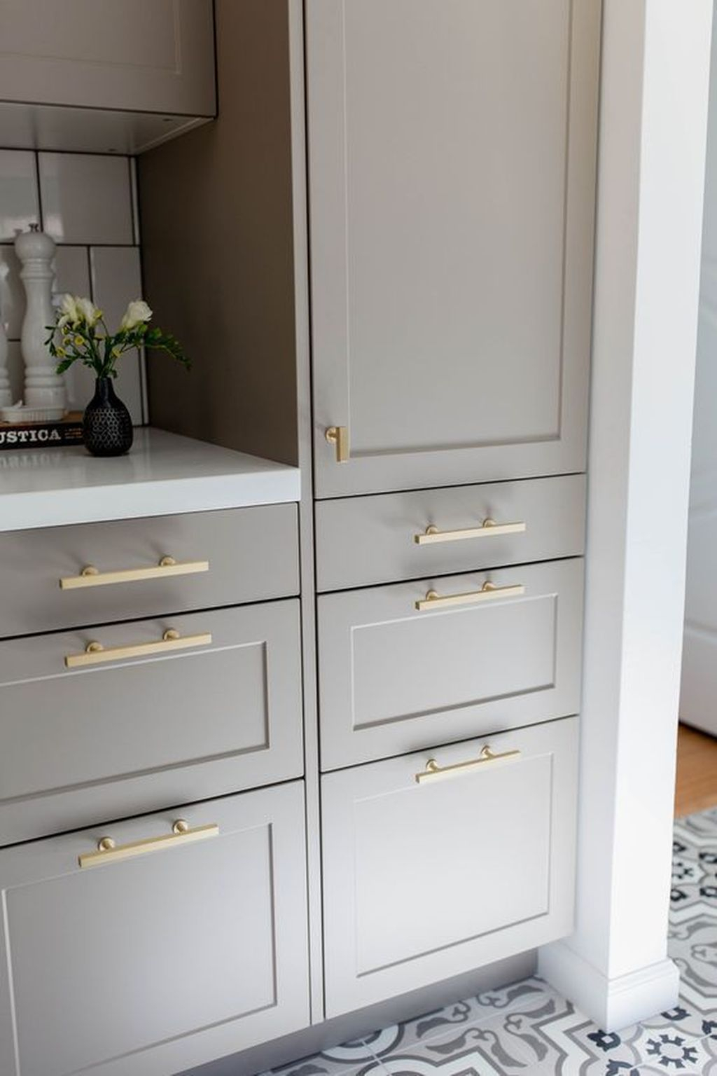 Adorable Kitchen Cabinet Ideas That Looks Neat To Try 25