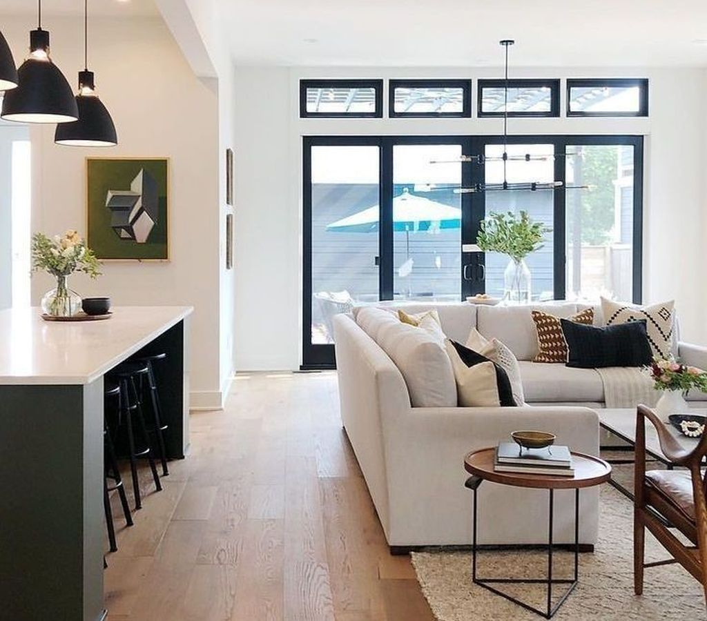 Cool Living Room Design Ideas To Make Look Confortable For Guest 17