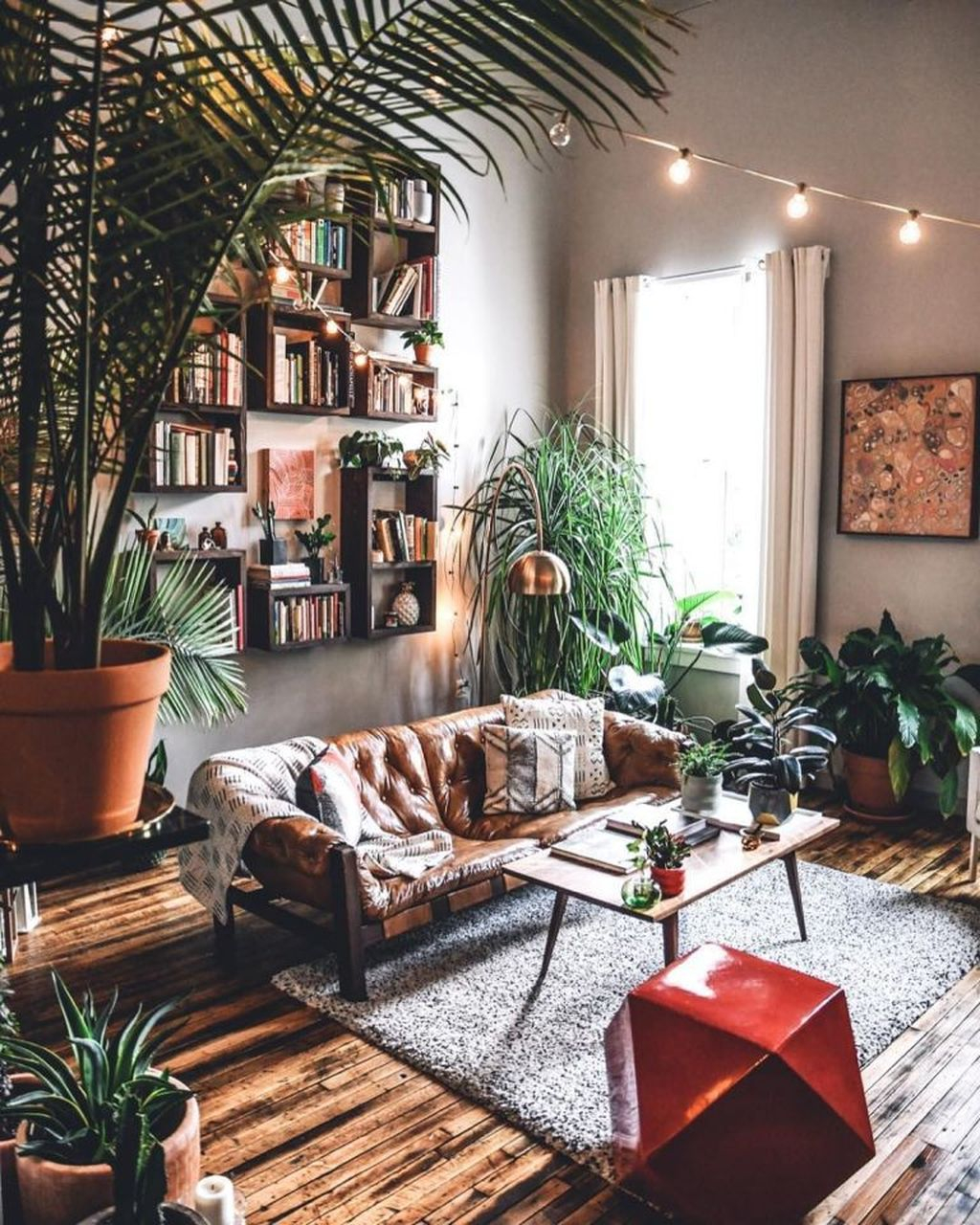 Cool Living Room Design Ideas To Make Look Confortable For Guest 28