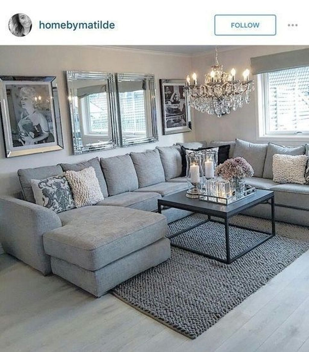 Cool Living Room Design Ideas To Make Look Confortable For Guest 35