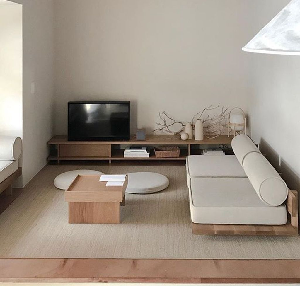 Cool Living Room Design Ideas To Make Look Confortable For Guest 38