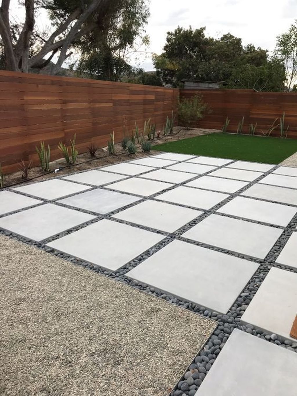 Excellent Backyard Landscaping Ideas That Looks Cool 05