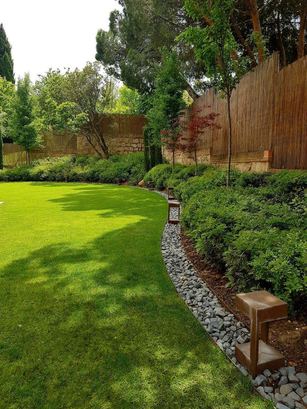 Excellent Backyard Landscaping Ideas That Looks Cool 31