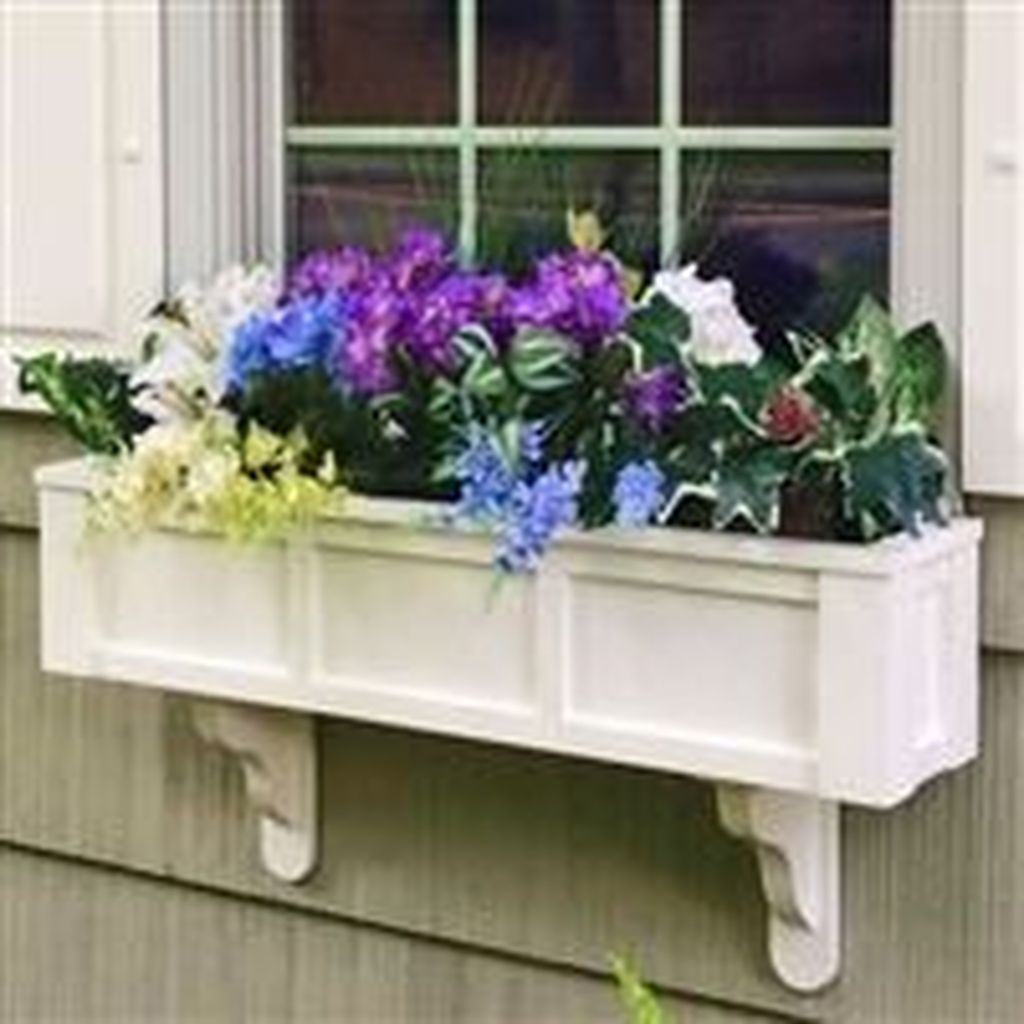 Fabulous Exterior Decoration Ideas With Flower In Window 01
