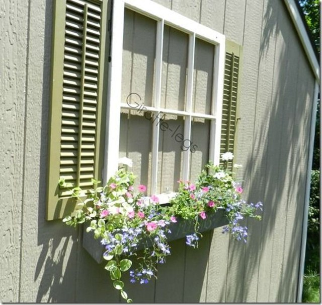 Fabulous Exterior Decoration Ideas With Flower In Window 04