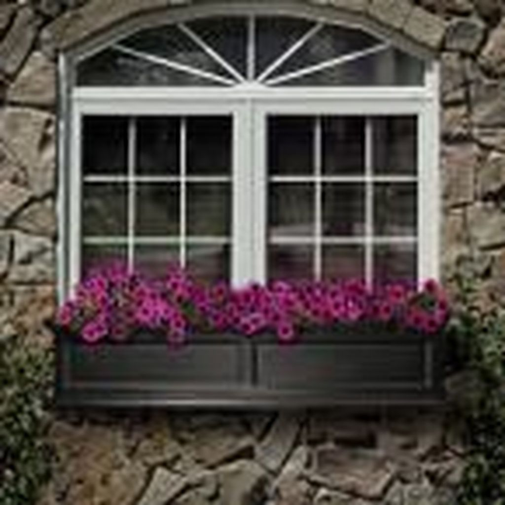 Fabulous Exterior Decoration Ideas With Flower In Window 25