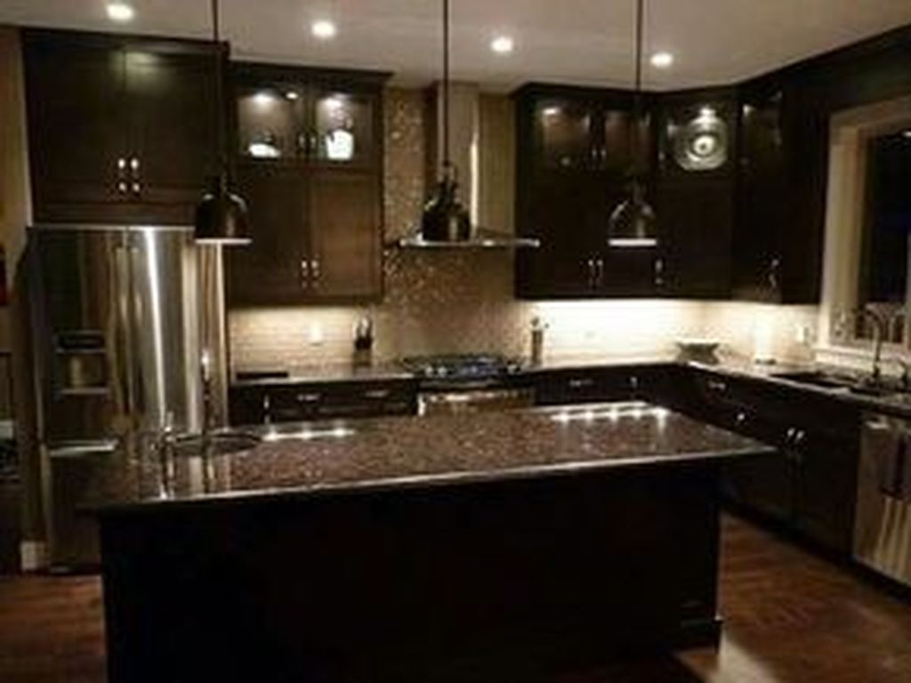 Hottest Wood Kitchen Set Design Ideas That You Can Try 29