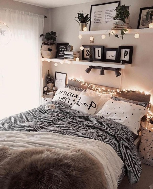 Lovely Bedroom Design Ideas That Make You More Relaxed 09
