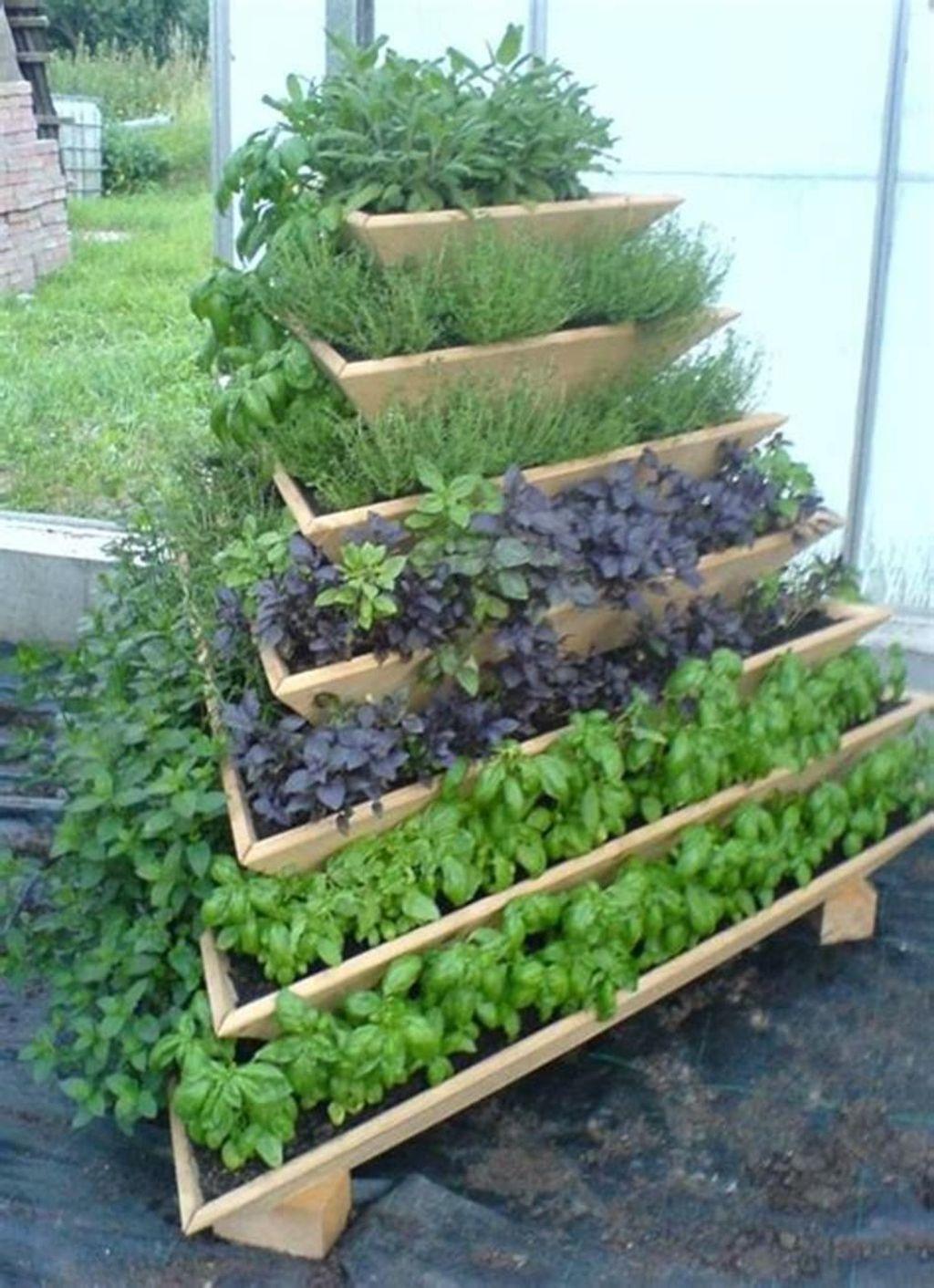 Lovely Vegetable Garden Decoration Ideas For You 24