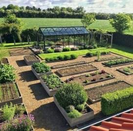 Lovely Vegetable Garden Decoration Ideas For You 32