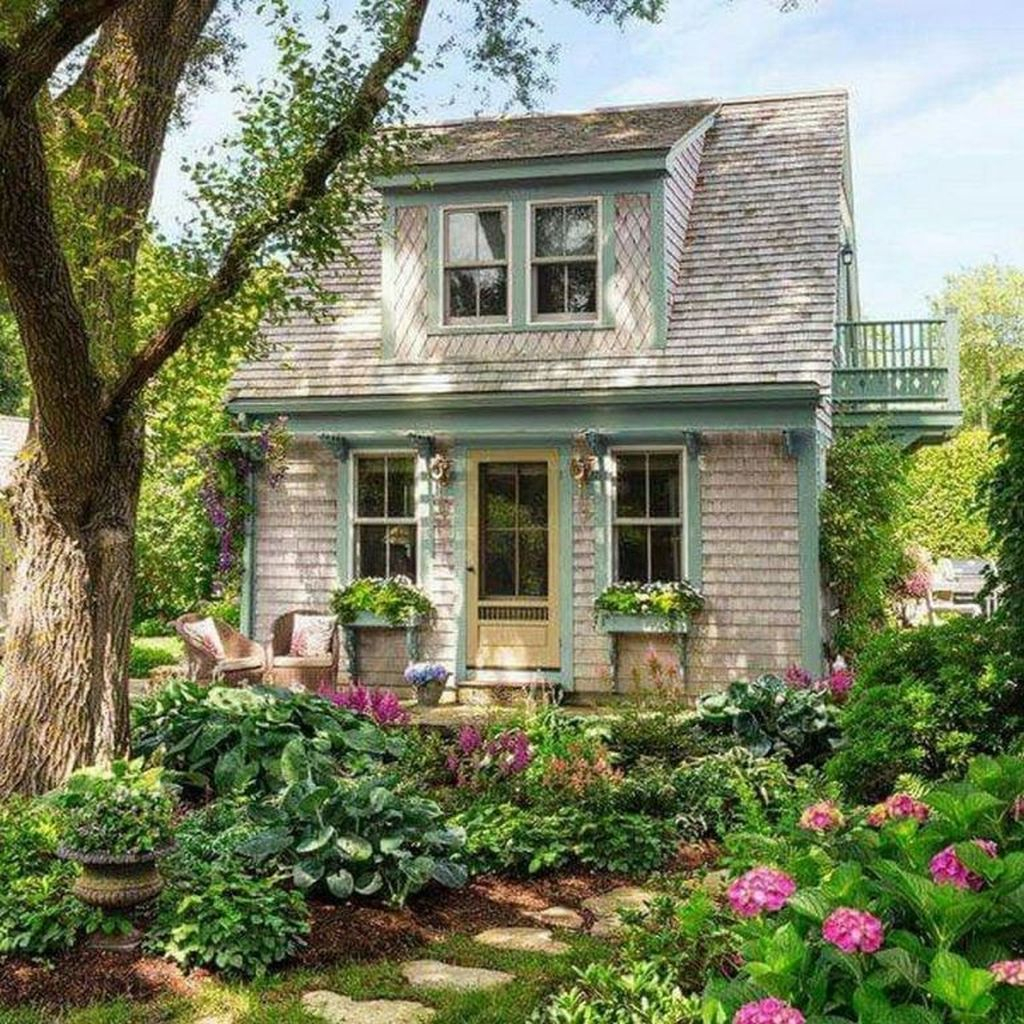 Perfect Small Cottages Design Ideas For Tiny House That Trend This Year 18