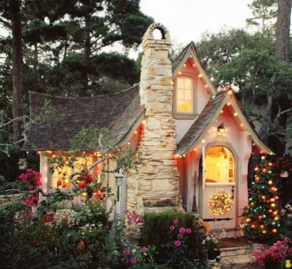 Perfect Small Cottages Design Ideas For Tiny House That Trend This Year 25