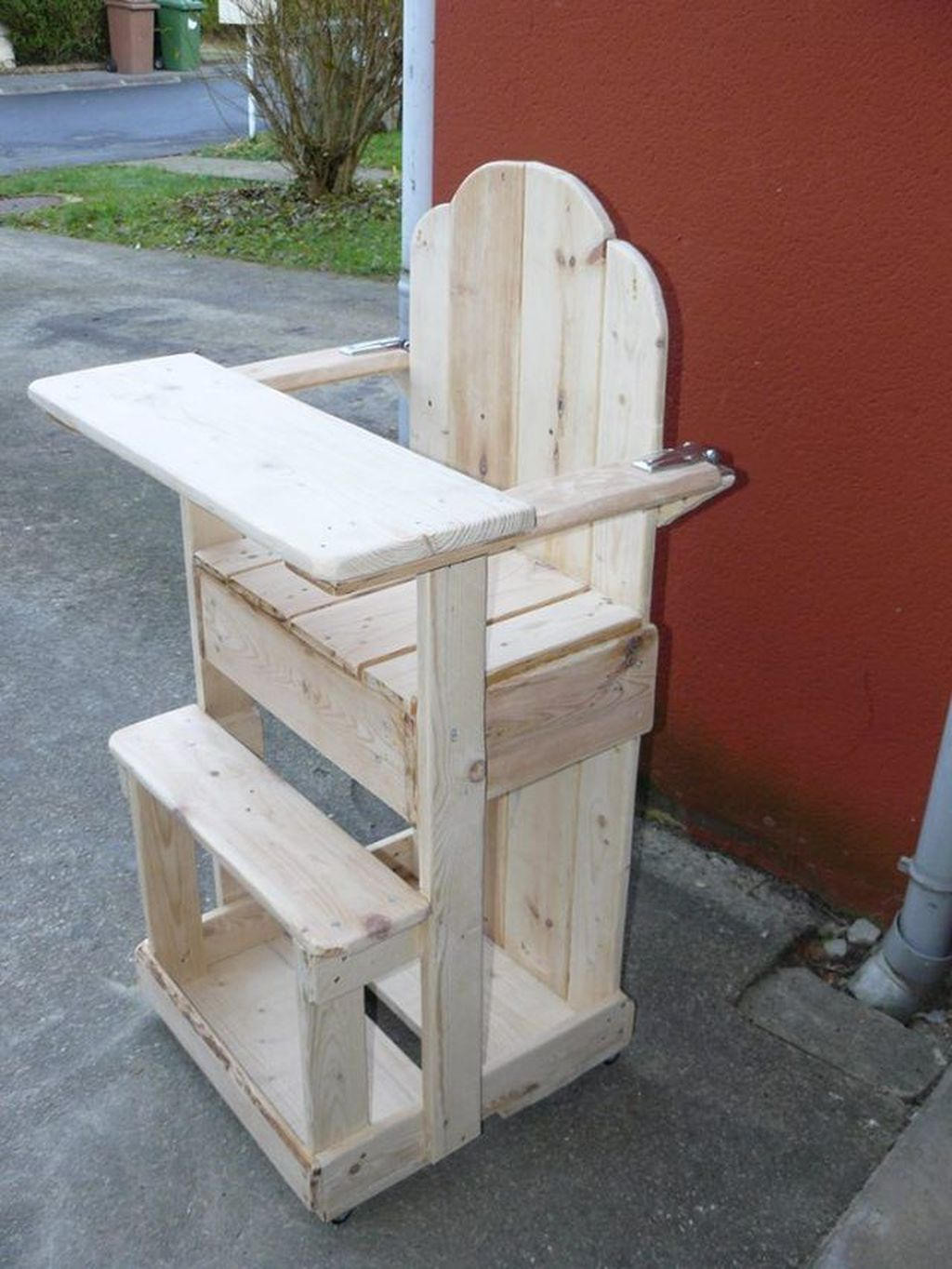 Popular Diy Chair Pallet Design Ideas That You Can Try 34
