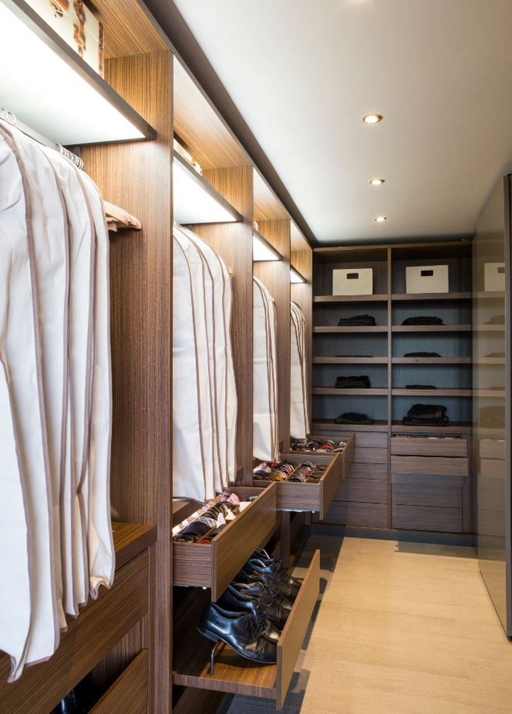 Splendid Wardrobe Design Ideas That You Can Try Current 33