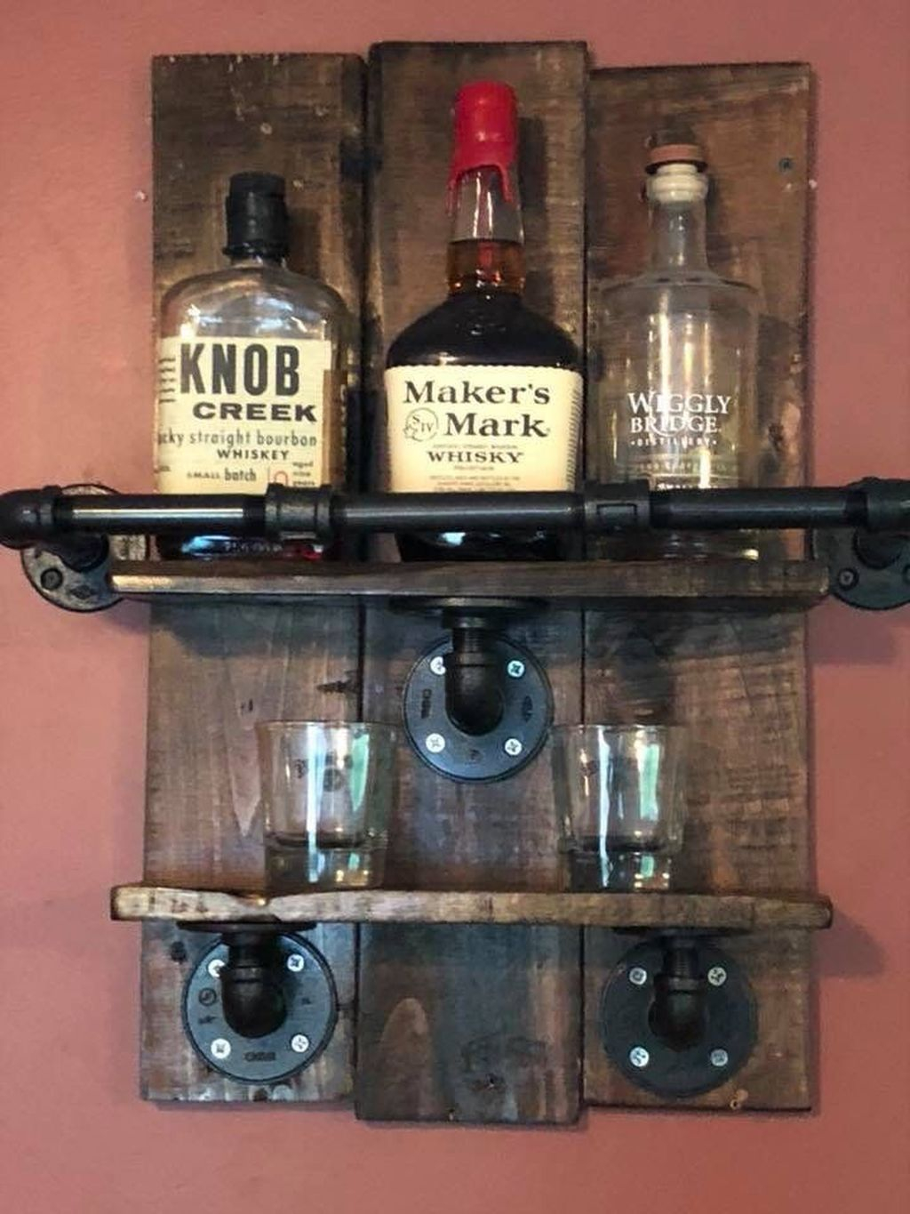 Trendy Pallet Mini Bar Design Ideas To Try 21