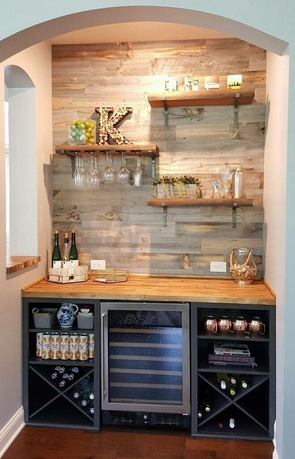 Trendy Pallet Mini Bar Design Ideas To Try 26