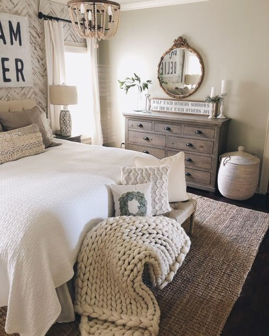 Vintage Farmhouse Bedroom Decor Ideas On A Budget To Try 13