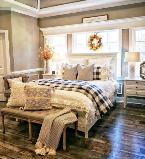 Vintage Farmhouse Bedroom Decor Ideas On A Budget To Try 22