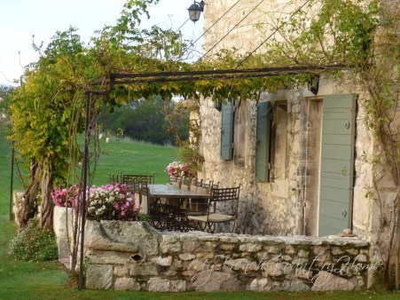 Captivating French Country Patio Ideas That Make Your Flat Look Great 08
